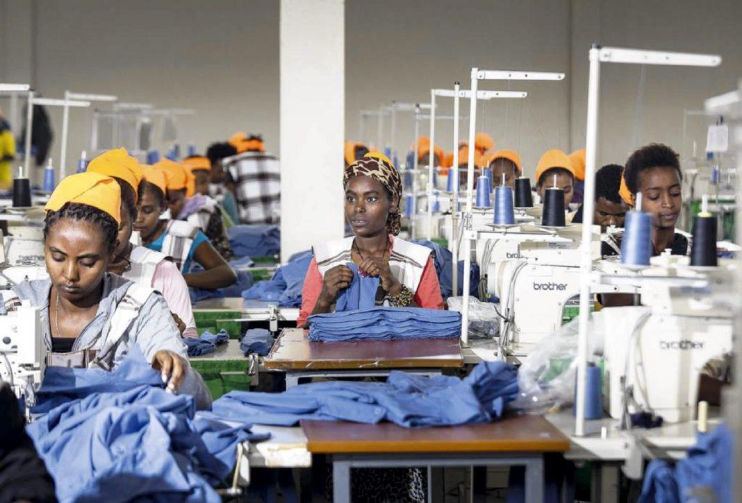 trabajo fabricas mujeres